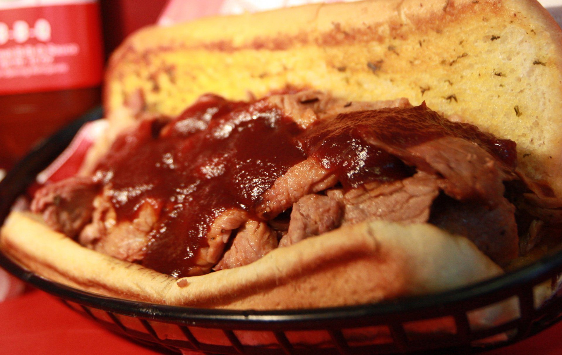 TRITIP-sandwich-texas-bbq